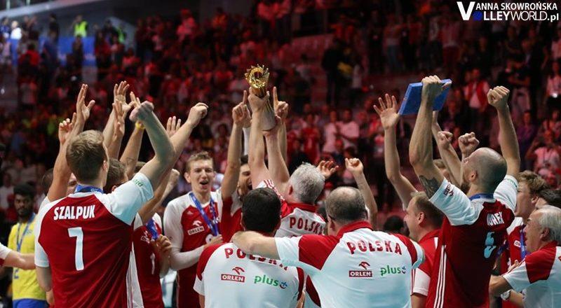 #PrzeżyjmyToJeszczeRaz: Od kadry bez trenera do historycznej obrony tytułu